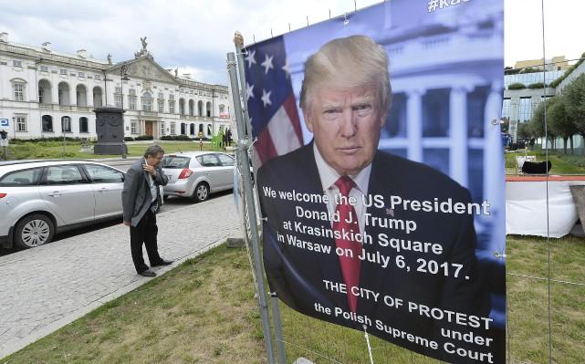 Donald Trump peut s'attendre à être accueilli par... (Photo Czarek Sokolowski, AP)
