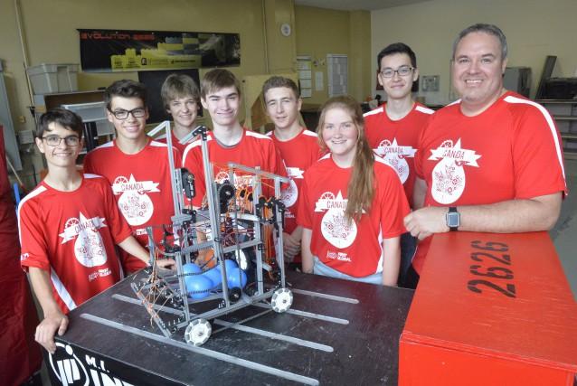 L'équipe de robotique du Séminaire de Sherbrooke s'envolera... (Spectre Média, Maxime Picard)