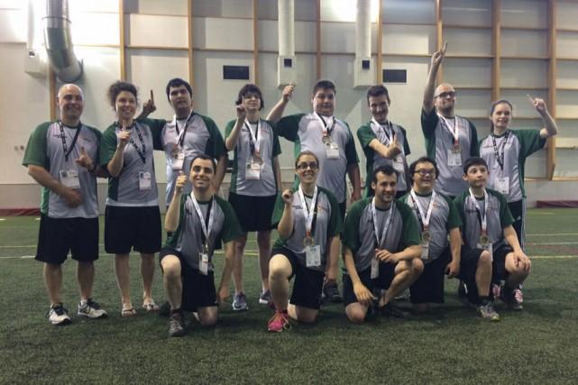 L'équipe du Fantôme-1 du Saguenay-Lac-Saint-Jean (ci-haut) a remporté... (Photo tirée de Facebook)