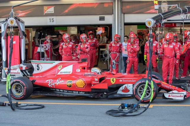 Sebastian Vettel a écopé d'une pénalité de 10... (Photo Valdrin Xhemaj, AFP)