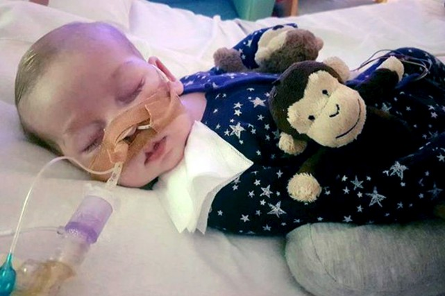 Charlie Gard était atteint d'une maladie rare génétique.... (PHOTO ARCHIVES ASSOCIATED PRESS)