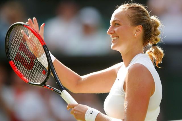 Petra Kvitova célèbre sa victoire, lundi soir.... (PHOTO REUTERS)