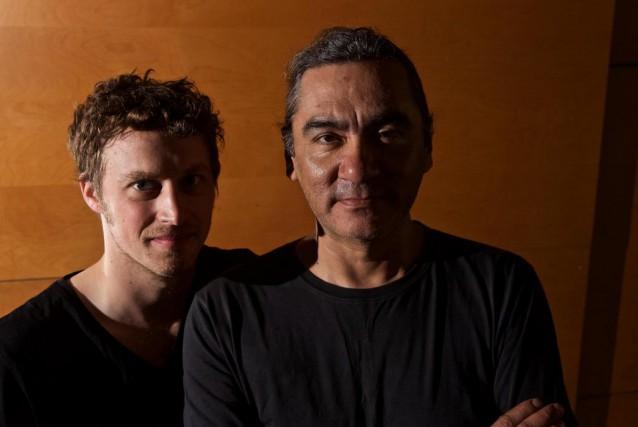 Le metteur en scène Xavier Huard (à gauche)... (Photo André Pichette, La Presse)