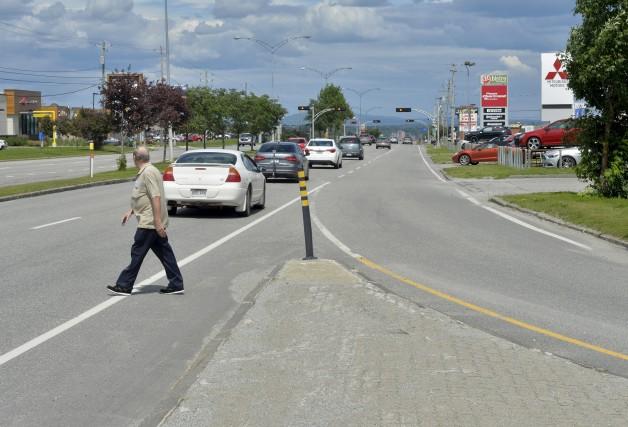 Un trottoir fera son apparition sur le boulevard... (Spectre Média, Maxime Picard)