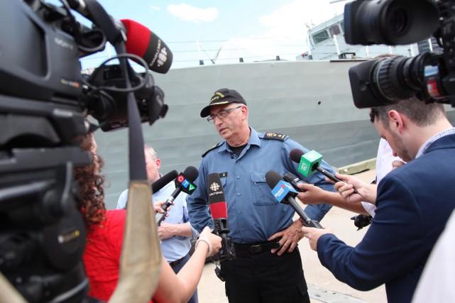 Le contre-amiral John Newton s'est adressé aux journalistes,... (PHOTO PC)
