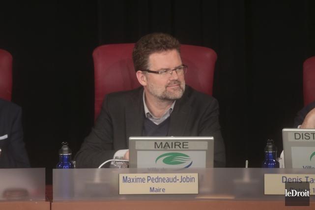 Le maire Maxime Pedneaud-Jobin a coupé court au... (Etienne Ranger, Archives Le Droit)
