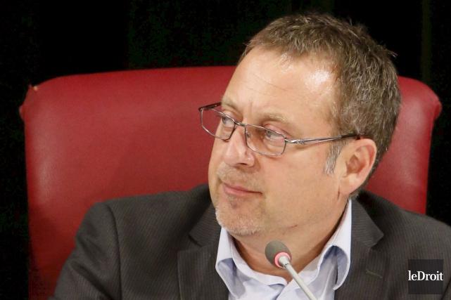 Le conseiller Daniel Champagne, responsable du Bureau de... (Simon Séguin-Bertrand, Archives Le Droit)