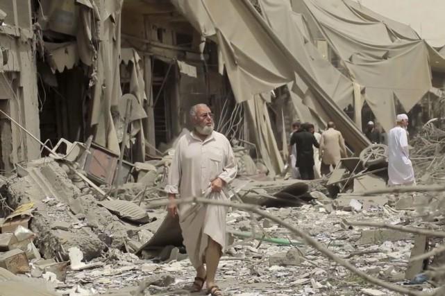 De violents combats ont secoué la vieille ville... (AP)