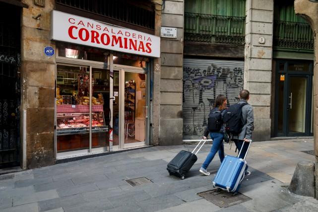 Les habitants du quartier gothique, à Barcelone, dénoncent... (AFP, Pau Barrena)
