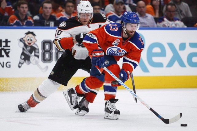 David Desharnais poursuivra sa carrière avec les Rangers... (La Presse canadiene, Jeff McIntosh)