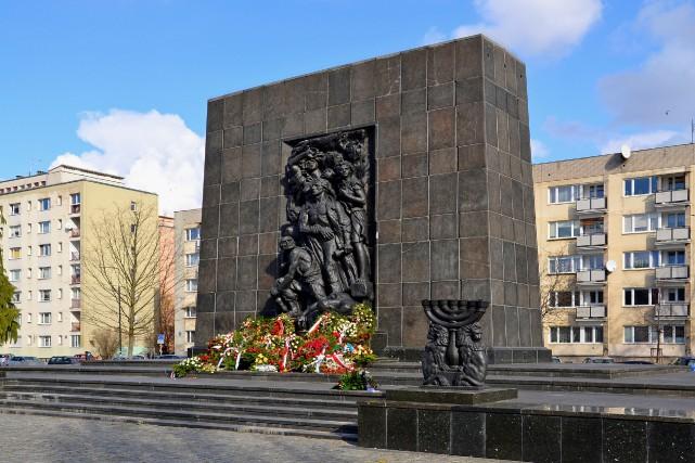 Le Monument aux héros du ghetto est situé... (PHOTO WIKICOMMONS)