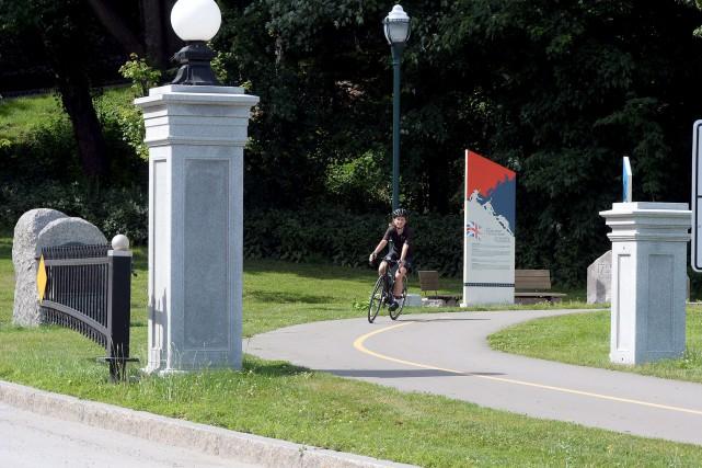 La cohabitation entre les vélos et les piétons... (Le Soleil, Erick Labbé)