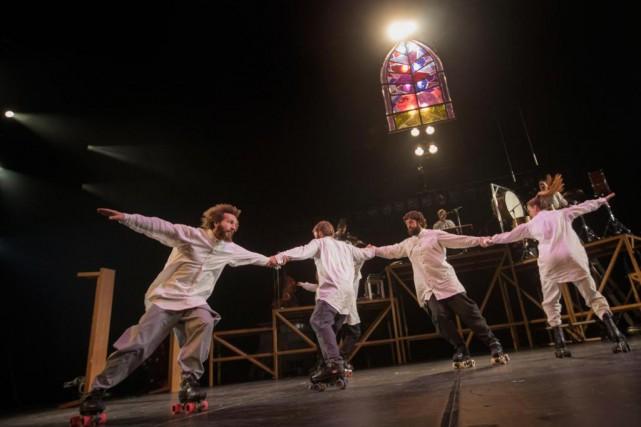 Le Cirque Alfonse ouvrira le festival Montréal complètement... (Photo Ivanoh Demers, La Presse)