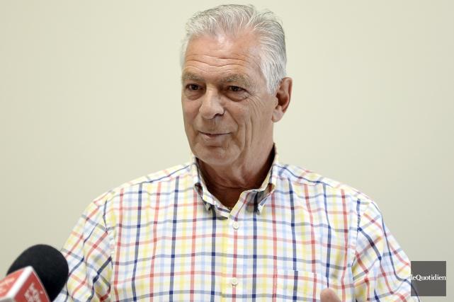 Le candidat à la mairie de Saguenay, Arthur... (Photo Le Quotidien, Jeannot Lévesque)