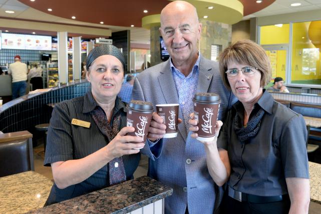 Le McDonald's de Lévis compte trois employés qui... (Le Soleil, Jean-Marie Villeneuve)
