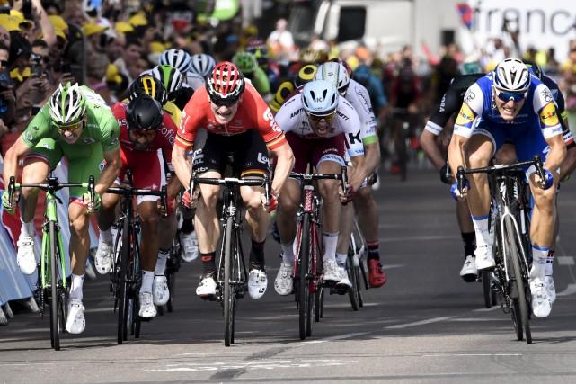 Vendredi, lors de la septième étape, les coureurs... (Agence France-Presse)