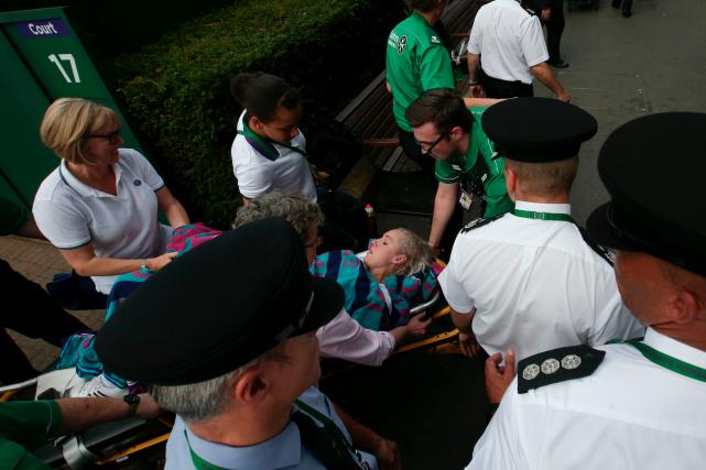 L'Américaine Bethanie Mattek-Sands a abandonné au deuxième tour... (AFP, DANIEL LEAL-OLIVAS)