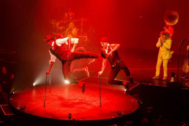 Malgré quelques bons numéros, le cabaret acrobatique australienLimbo... (PHOTO FOURNIE PAR LOTO-QUÉBEC)