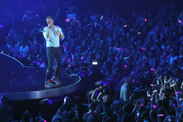 Chris Martin, chanteur de Coldplay, était en spectacle... (PHOTO AFP)