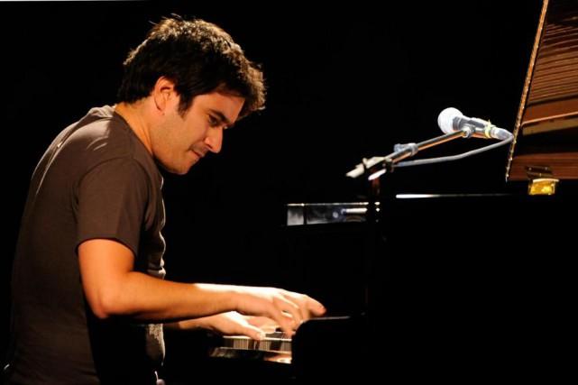 Le chanteur et pianisteHarold López-Nussa... (Photo Bernard Brault, archives La Presse)