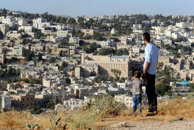 La ville d'Hébron, qui se trouve dans le... (Photo Ammar Awad, REUTERS)