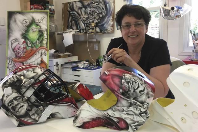 Installée dans son atelier, Sylvie Poitras ne compte... (Photo Le Progrès, Mélissa Viau)