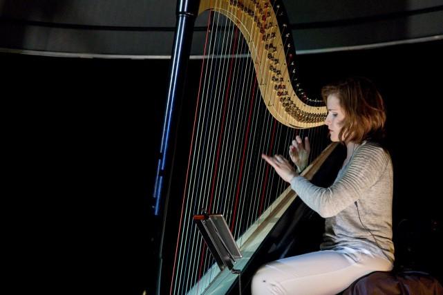 La harpiste Valérie Milot a renouvelé la formule... (Spectre Média, Marie-Lou Béland)