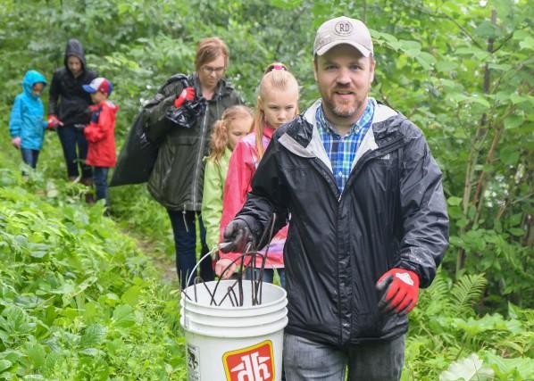 Une quarantaine de bénévoles ont participé à la... (Andréanne Lemire)