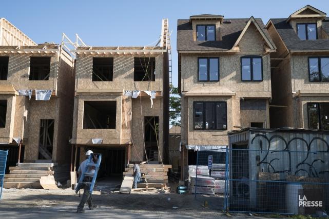 Les taux hypothécaires pourraient augmenter sous peu, puisque... (Photo Graeme Roy, La Presse)