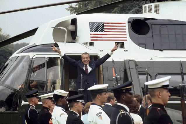 Le 9 août 1974, l'ex-président américan Richard Nixon... (Bettmann/CORBIS)