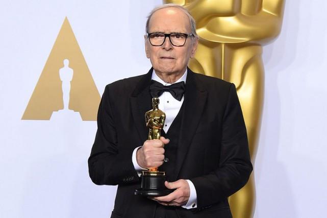 Ennio Morricone à la cérémonie des Oscars en... (PHOTO ARCHIVES AP)