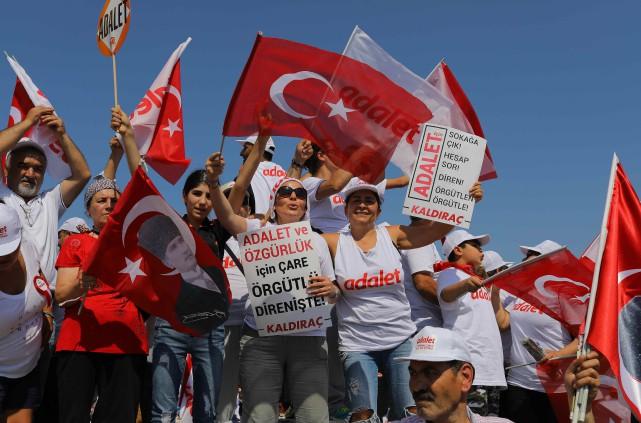 Le rassemblement, une initiative sans précédent en Turquie,... (PHOTO REUTERS)