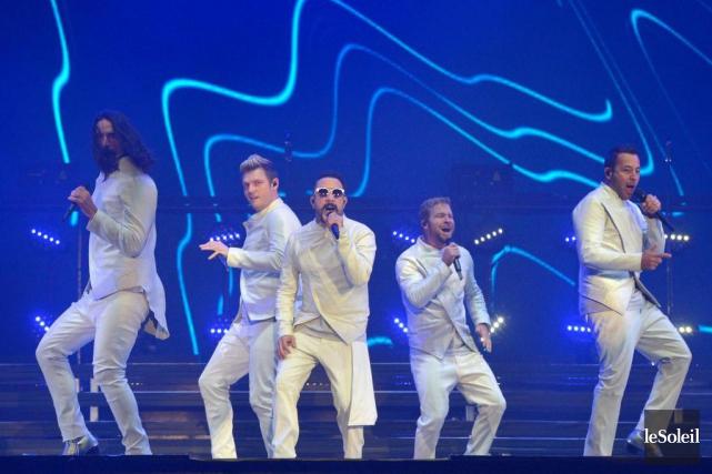 Les Backstreet Boys se produisaient dimanche soir sur... (PHOTO YAN DOUBLET, LE SOLEIL)
