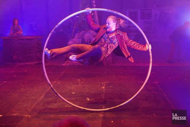 Zkruvlös - Velcome to Kouglistan!, spectacle de Throw2catch,... (PHOTO SIMON GIROUX, LA PRESSE)