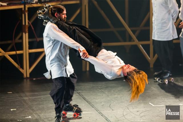 Le Cirque Alfonse a ouvert les festivités de... (PHOTO OLIVIER JEAN, LA PRESSE)