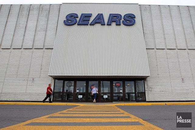 Sears Canada a entrepris une restructuration sous la... (PHOTO MARTIN CHAMBERLAND, ARCHIVES LA PRESSE)