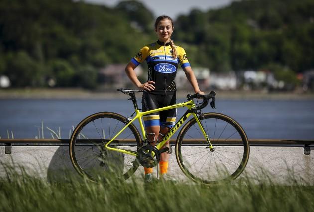La cycliste de 16 ans Simone Boilardsouhaite se... (Photothèque Le Soleil)