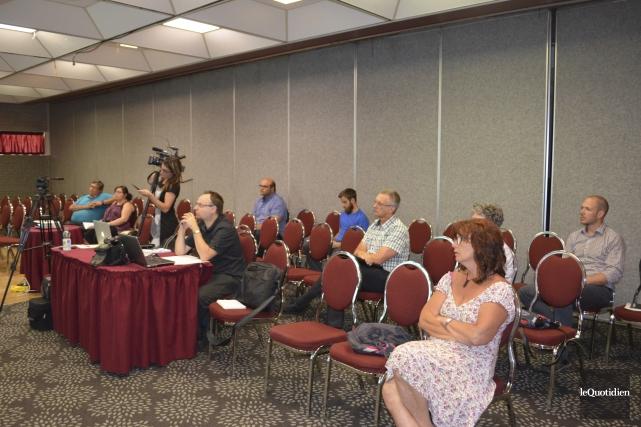 Sept personnes ont participé à la consultation sur... (Photo Le Quotidien, Louis Potvin)