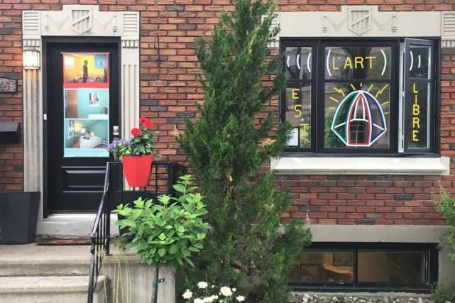 Les fenêtres qui parlent est une série d'expositions... (PHOTO TIRÉE DE LA PAGE FACEBOOK DE L'ÉVÉNEMENT)