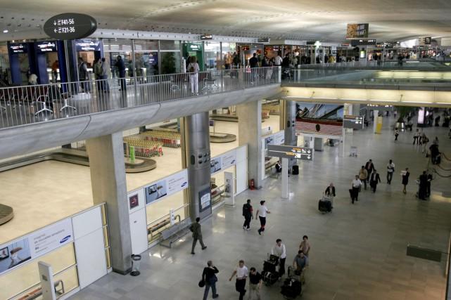 Le trafic des aéroports parisiens a été en hausse de 5,3% en juin, tiré par la... (PHOTO ARCHIVES BLOOMBERG)