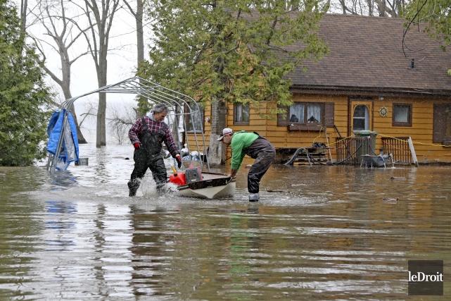 L'aide se fait toujours attendre à Pontiac où... (Patrick Woodbury, archives Le Droit)