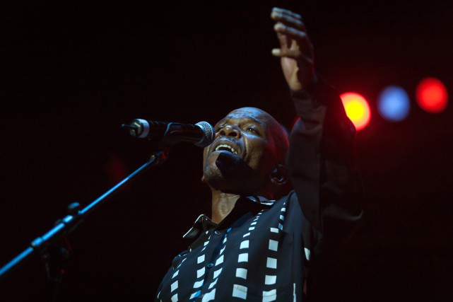 Ray Phiri lors du Durban Hazelmere Dam Jazz... (PHOTO ARCHIVES AFP)