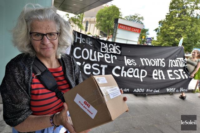 Des membres du Collectifpour un Québec sans pauvreté... (Le Soleil, Patrice Laroche)