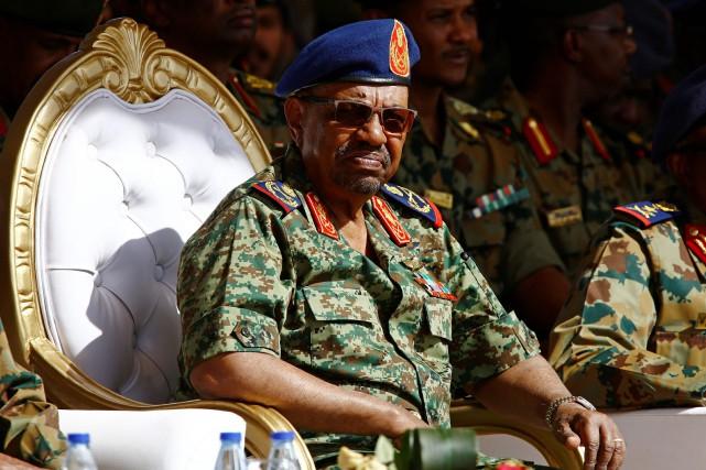 Le président du Soudan, Omar el-Béchir, est poursuivi... (ARCHIVES AFP)