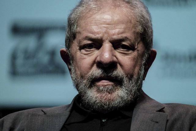 Lula, icône de la gauche brésilienne, a été... (Archives AFP, Yasuyoshi Chiba)