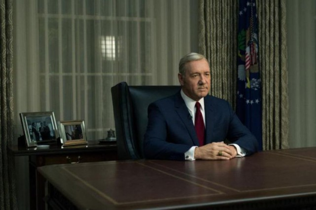 Kevin Spacey incarne Frank Underwood dans House of Cards.... (NETFLIX)
