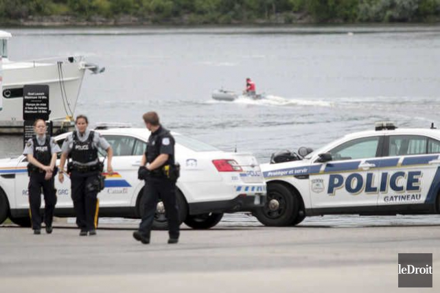 Le corps repêché dans la rivière des Outaouais... (Étienne Ranger, Le Droit)