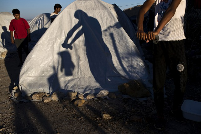Refugees International a relevé les conditions exécrables dans... (PHOTO AP)