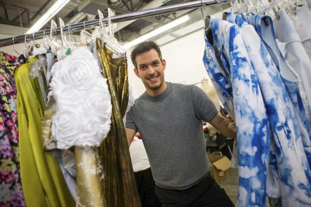 Sébastien Dionne doit créer 80 costumes pour le... (Olivier Croteau)