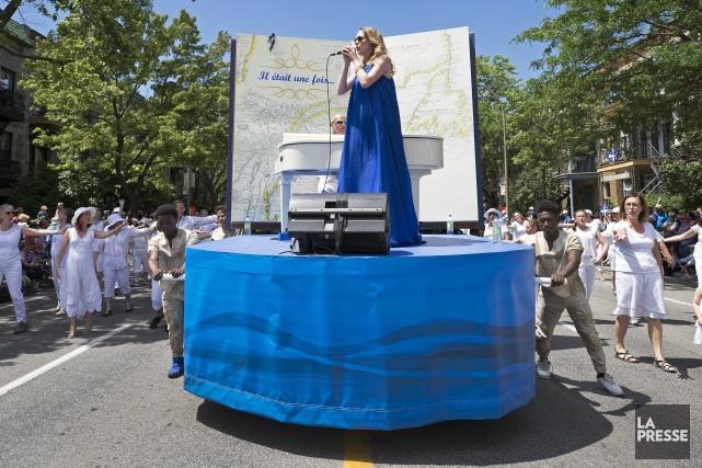 La mise en scène du dernier défilé de... (Archives La Presse)